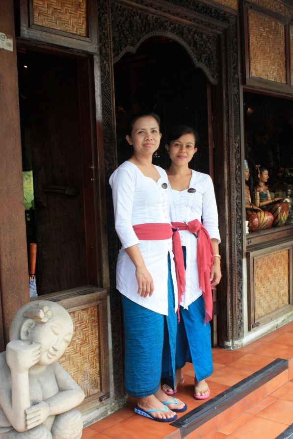 Beautiful waitresses, Ubud